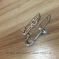 Wholesale good brooches for sale - Group buy 2pcs Fashion brooch with Shiping rhinestone style for retail Classic fashion symbol brooch accessories party Pin good souvenir
