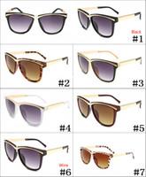 gafas de sol de colores fríos al por mayor-2019 Brand New Cool Designer Sunglasses para hombres y mujeres que conducen gafas de sol Gafas Sombrillas gafas 7 colores