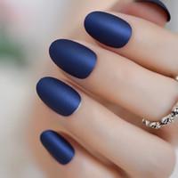 leim blaue nägel großhandel-Wunderschöne Matte gefälschte Fingernägel kurze ovale Diamant blau gefrostet falsche Nägel mit Kleber Aufkleber 24