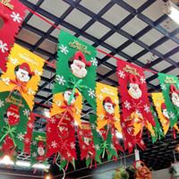 yılbaşı asmak bayrağı toptan satış-Sekiz kırmızı ve yeşil Noel bayrağı, Noel Arcades Hotel dekorasyon asılı bayrak Noel Santa Snowman toptan ve perakende