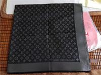 foulards carrés pour femmes achat en gros de-Haute Qualité Nouvelle Mode De Luxe Marque Écharpe laine soie Cachemire avec fil d'argent femmes écharpes carré Châle taille 140x140 cm A-0022