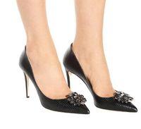 saltos de cristal venda por atacado-Pele de cobra preta do falso sapatos de salto alto mulheres sapatos de cristal cravejado de cristal sapatos de casamento nupcial sexy dedo apontado mulheres bombas