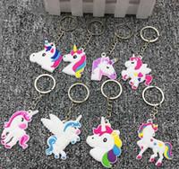 lindos diseños de llaveros al por mayor-Plástico PVC Unicornio llavero lindo Animal Horse diseño llavero llaveros bolsa colgante accesorios de moda envío de la gota