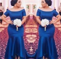 funkeln einfache brautkleider groihandel-Königsblau Plus Size Brautjungfernkleider Satin mit kurzen Ärmeln Meerjungfrau Trauzeugin Kleider Hochzeitsgast Abendgesellschaft Kleid