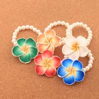 flores de hilos al por mayor-Hot Clay Plumeria Flower Pearl Beaded Stretch Pulsera 6.5