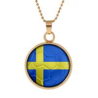 neue schweden großhandel-Neue Dreidimensionale 2018 World Cup Schweden Halskette Anhänger bunte Anhänger Glas Cabochon Dome Halsketten Schmuck customed