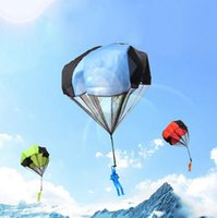 Wholesale blue parachute - Outdoor Mini Play Parachute Toy Hand Throwing Kids Soldier Outdoor Sports Toys Children Educational Toys EEA57