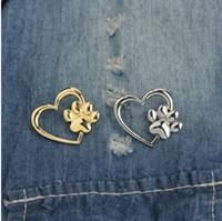 gold katzenstift großhandel-Schmuck Brosche Pins Schöne Hohle Liebe Herz mit Tiny Pet Pawprint Brosche Charme Katze Hund Fußabdruck Revers Pin Taschen Brieftaschen