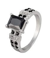 schwarze saphirring männer großhandel-Mode Rechteck Cut Black Sapphire Prong Einstellung Zirkonia White Gold Überzogene Ringe Frauen Hochzeit Schmuck