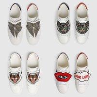 kelebek ayakkabı erkekler toptan satış-Erkek Kadın Tasarımcı Sneakers Ayakkabı Klasik Rahat Ayakkabılar Lüks Flats Deri Kelebek Kediler Sneakers Ayakkabı vestidos de fiesta