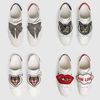 zapatos de mariposa de los hombres al por mayor-Zapatillas de deporte de los hombres de las mujeres zapatos clásicos casuales zapatos de lujo pisos de cuero mariposa gatos zapatillas de deporte zapatos de fiesta