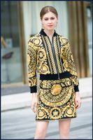 sarı etek baskılar moda toptan satış-2019 Yeni Sarı Standı Yaka Uzun Kollu Baskı Ceket Ve Womens Için Moda Baskı Ve Etekler 2 Parça Setleri 1613