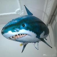 ingrosso animali di palloncino gonfiabili in plastica-Palloncino telecomandato Flying Fish Shark RC plastica gonfiabile dirigibile animale palloncino bambini giocattoli regali