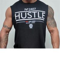 tee-shirt sexy achat en gros de-Date Hommes Débardeurs Sexy Fitness Bodybuilding Respirant Singlets D'été Mince Équipé Hommes 'S Tees Blanc Noir Tee Vente Chaude
