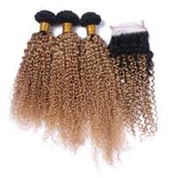 açık kahverengi bakire saç toptan satış-Kinky Kıvırcık 1B / 27 Bal Sarışın Ombre İnsan Saç 3 Demetleri ile 4x4 Dantel Kapatma Açık Kahverengi Ombre Malezya Virgin İnsan Saç Örgüleri