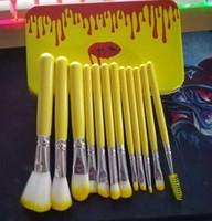 ingrosso spazzole di trucco giallo-12 set di pennelli per trucco con cassa in ferro giallo con capelli sintetici e manico in legno giallo 50 pezzi / lotto DHL