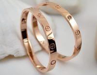 ingrosso braccialetti migliori dell'oro delle ragazze-Nuovi braccialetti della coppia di qualità i braccialetti più venduti croce modello in acciaio al titanio bracciale in oro rosa accessori ragazza braccialetto