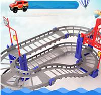 coches de carreras de ladrillos al por mayor-Bloques de construcción Ladrillos 88pcs Vehículo eléctrico ferroviario Coche con tren Llight Pista Carreras de coches Pista Juguete educativo Puzzle para niños