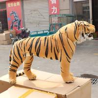 bonecas de tigre venda por atacado-simulação tigre de brinquedo de pelúcia em pé tigre tigre boneca de brinquedo boneca fotografia adereços