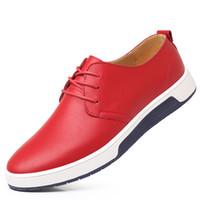 koreanisches freizeitkleid für männer großhandel-2018 neue Männer große Größe Business Casual Schuhe Luxus-Schmuck-Marke koreanische Luxus bequemes flaches Kleid Schuhe Oxford schwarz weiße Schuhe