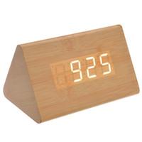 ingrosso sveglia digitale gialla-012-11 Sveglia a legno digitale a LED a forma di vocale attivata a LED digitale con data / temperatura (giallo chiaro)