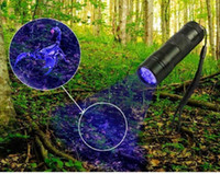 12 de fevereiro venda por atacado-DHL grátis, 395-400NM Luz ultravioleta UV Mini portátil 12 LED UV Lanterna Torch Scorpion Detector Finder Luz negra (UV-12)