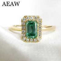 smaragd ringt diamanten großhandel-14 Karat Gelbgold 1ctw Smaragd Cut Engagement Ehering für Frauen Light Green Moissanite Diamant Ring Set Test Positive S923