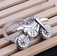 cruz llaveros envío gratis al por mayor-NUEVA Moda Cadena de la motocicleta a campo traviesa llavero de acero inoxidable de la aleación llaveros Llaveros mejor regalo Envío gratis