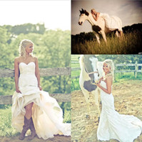 Wholesale White Lace Wedding Bridal Boots - Vintage White Full Lace Country Wedding Dresses For Bride in Cowgirl Boots 2018 Sweetheart Button Back A-line Lace Bridal Gowns Plus Size