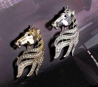 productos de imitación al por mayor-Un nuevo producto para cabezas de caballo, broches de ramillete, estrellas, trajes de renombre, abrigos, chales, botones