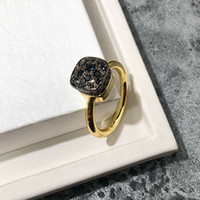 ingrosso donne di stile coreano nozze anelli-Gli anelli temperamento della regina a forma di cavità di cristallo retro del coreano di stile 2018 per i monili dell'anello di cerimonia nuziale del partito delle donne liberano il trasporto