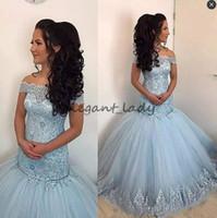 ingrosso vestiti di fishtail blu-Dusty Blue Lace Mermaid Prom Dresses Appliques al largo della spalla fishtail Abiti da sera pavimento in tulle abito formale