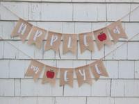 banners personalizados al por mayor-Personalizado Ojo de arpillera de la fiesta de bienvenida al bebé Banners de la sala de guardería Fiesta de garrapatas Guirnaldas Guirnaldas Foto Prop.