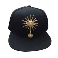 головные уборы оптовых-Korean Style Women Men Caps Trendy Sun Rivet Decorations Hip Hop Baseball Caps Hat Fashion Hot Sale