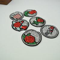 coser parches de strass al por mayor-12 unids Rhinestone Rose Coser-on Parches Bordado Parche Bordado de Artesanía para la ropa del bolso de la insignia