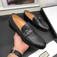 ingrosso custodie di alta qualità-fashion Le lussuose scarpe eleganti di alta qualità del 2018 abbinano le scarpe in pelle nera degli uomini