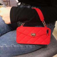 el çantası örtüleri toptan satış-Lüks Moda Kart Çanta Metal Toka Kadın Cüzdan Çanta çanta Yumuşak Silikon Kılıf Kapak El Zinciri Ile Iphone Için XS Max XR X 8 7 6 6 S Artı