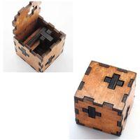 jouets éducatifs pour adultes achat en gros de-Cadeau de Noël Kong Ming Luban Serrure Enfants Enfants 3D Jouets En Bois Adulte Classique Éducatif Enfants Jouet Cube Jeu Puzzles
