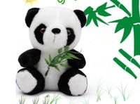 dev doldurulmuş oyuncak pandalar toptan satış-Dev Panda Peluş Oyuncak Bambu Yaprak Panda Küçük Bebek Yıllık Toplantı Etkinlik Hediye Bebek Oyuncakları Pasifize Bebek Dolması Peluş Hayvanlar