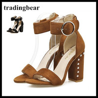 ingrosso marrone marrone marrone-Concise Rivets Chunky Heels Sandals With Buckles Donna Moda Scarpe Black Brown 2018 New Size 35 To 40