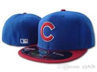 rotes blaues visor großhandel-Herren Cubs Königsblau Top Roter Visier ausgestattet Hut Top Qualität flache Krempe bestickt Brief Team Logo Fans Baseball Hüte Jungen geschlossen