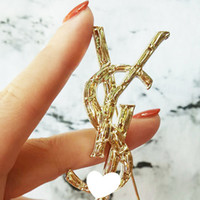 Wholesale christmas brooches - New Luxury Brand Letters Brooch cm Women Famous Designer Suit Lapel Pin Brand Jewelry Accessories Gift High Quality
