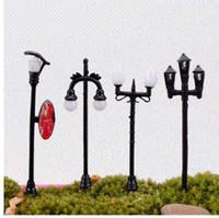 modèles de lampadaires achat en gros de-1 Pièce Petits Ornements6CM Micro Paysage Figurines Miniatures Ornements Modèle Lumières Street Lamp Simulation Lumières Creative