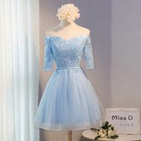 wedding soft blue champagne großhandel-Eine Linie weg Schulter Junior Brautjungfer Kleider Short Open V-Ausschnitt Appliqued Halbarm Hochzeit Party Kleider für Gäste