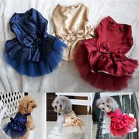 vêtements pour animaux de compagnie princesse achat en gros de-Vêtements Pour Chiens Chiot Chiot Fête De Mariage Dentelle Robe Vêtements Bow Tutu Princesse Robe Pet Vêtements
