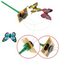 ingrosso piante farfalle solari-Solar Powered 3pcs Dancing Flying Butterfly con bastone per Garden Yard Plant Decor