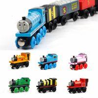 ingrosso toy train-Giocattoli Motori in legno Trai Cars Thomas Wooden Train Cartoon Railway Trains Friends Collection Modello compatibile Toy Baby Christmas Gifts