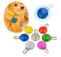 led dog collar оптовых-Бесплатная доставка собака LED светящийся кулон ожерелье безопасности щенок кошка ночь свет мигает воротник Pet световой яркий светящийся в темноте