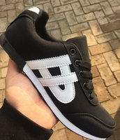 respira libremente al por mayor-Famoso diseño de moda Cubierta de tela Zapatos con escaleras Cómodos respirar libremente amantes Zapatos casuales botas de skate