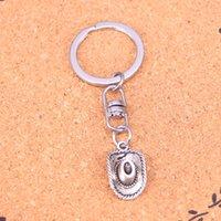 ringe cowboys großhandel-Neue Mode Keychain 23 * 13mm cowboy hut Anhänger DIY Männer Schmuck Auto Schlüsselanhänger Ring Halter Souvenir Für Geschenk